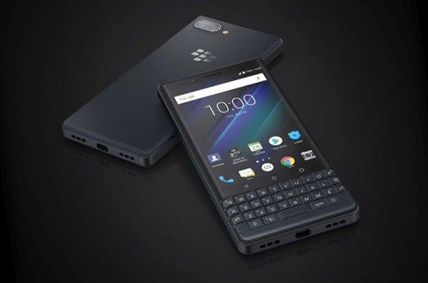 Blackberry büyük temizliğe devam ediyor