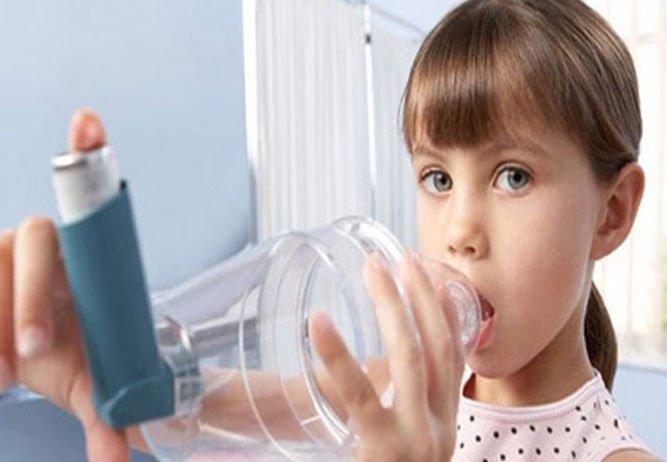 Titiz ailelerde yetişen çocukların astıma yakalanma riski artıyor