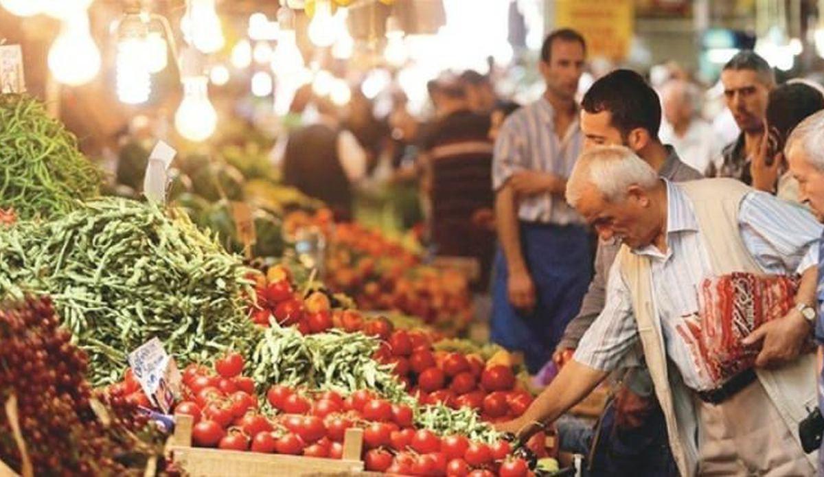 Photo of Vatandaş Artan Fiyatlar Yüzünden Meyve Sebze Ekmeye Başladı