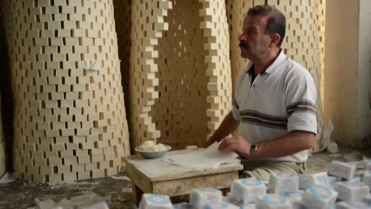 Photo of Dedesinden kalma sabun tarifiyle seri üretim yapıyor0 (0)